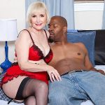 Lola Lee's darkest fantasies come true