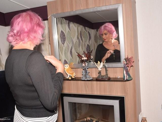 Pink Hair  Elegant