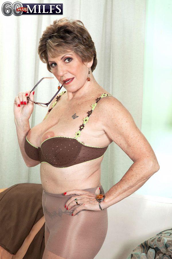 Never-before-seen photos of Bea Cummins!