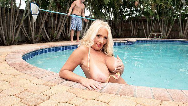 Maddie's poolside suck & fuck